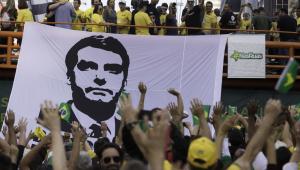 Villa: Quem gosta de ditadura deve ir à Venezuela