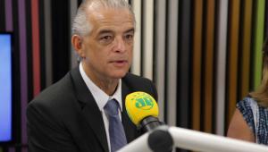 'A solução não está em meter a borracha e matar todo mundo', diz Marcio França