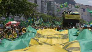 Internautas lotam as redes sociais com vídeos de atos a favor de Bolsonaro