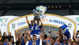 Cruzeiro iguala Corinthians como maior campeão nacional do século