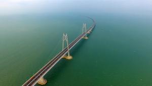 Com 55 km, China inaugura maior ponte do mundo em mar aberto