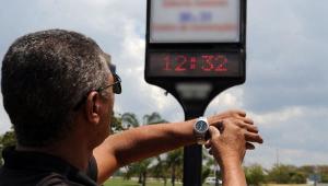 Sem horário de verão, celulares fazem atualização automática e causam confusão
