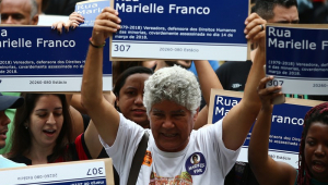 Protesto distribui mil placas com nome de Marielle Franco