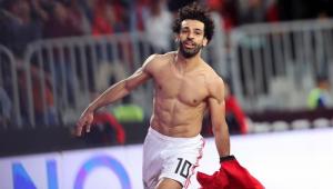 Após golaço, Salah brinca e pede desculpas a torcedora mirim