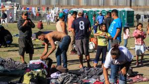 Caravana de imigrantes se reúne em Tijuana para decidir se segue para os EUA