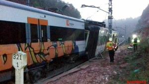 Trem descarrila perto de Barcelona e deixa uma pessoa morta e ao menos seis feridas
