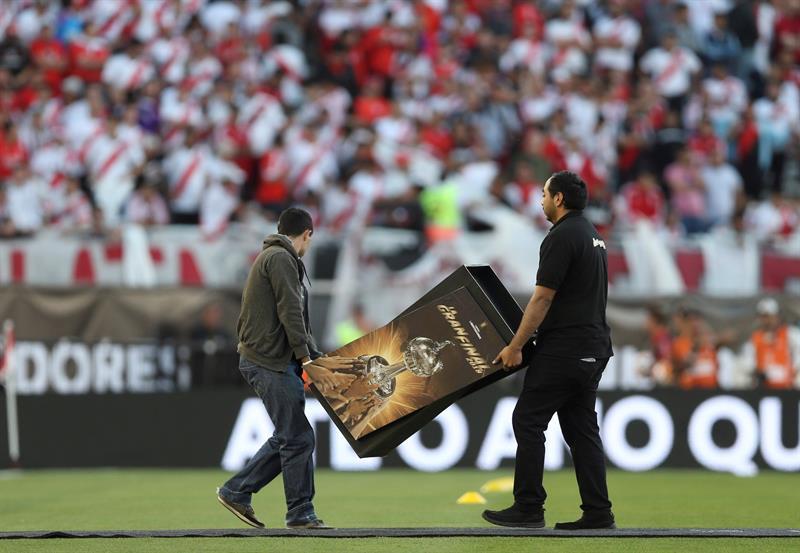 EFE Final da Libertadores da América foi adiada para este domingo d46d9666d14f5