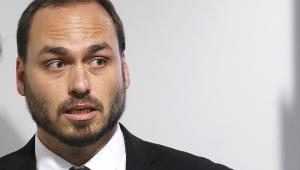 Vera: Carlos mina democracia ao difundir descrédito nas instituições