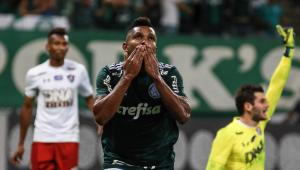 Palmeiras vence o Fluminense, iguala marca de rival e se aproxima do Deca