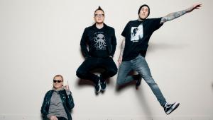 Você sabe pronunciar 'Blink-182'? Briga EUA x Reino Unido levanta polêmica