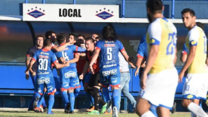 Time paraguaio se classifica para a Sul-Americana, mas acaba rebaixado no campeonato nacional