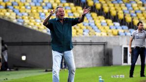 Sem a resposta de Abel Braga, Santos vai em busca de outros treinadores