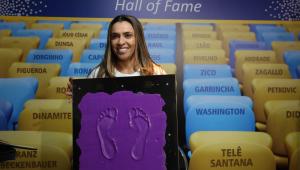 Futebol feminino tem pequenas vitórias: Prêmio do Brasileirão, jogos na Globo e Calçada da Fama