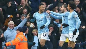 Manchester City vence com dois gols de Gabriel Jesus e retoma liderança