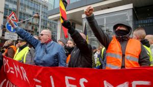 Polícia de Bruxelas prende 60 pessoas durante manifestação de 'Coletes Amarelos' belgas
