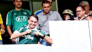 Porta-voz diz que Bolsonaro levou bronca de médico porque queria ir ao jogo do Palmeiras