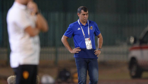 Perto de ir para o Corinthians, Carille sofre derrota na Arábia Saudita