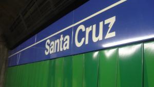 Criança que morreu no Metrô de SP foi atropelada três minutos após aviso por SMS
