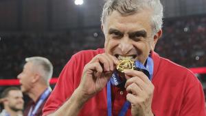 Petraglia critica Globo, celebra eleição de Bolsonaro e prevê Athletico candidato ao título mundial