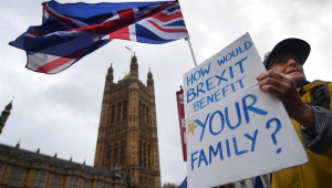 May: Reino Unido pisará em 'águas desconhecidas' se Brexit for rejeitado