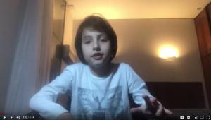 Michelzinho, de 9 anos, mantém um canal no Youtube onde mostra um pouco de sua rotina como filho do chefe mais importante da nação