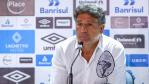 Renato Gaúcho lamenta falhas contra o Flamengo: 'Uma mulher grávida faria gol no Grêmio'