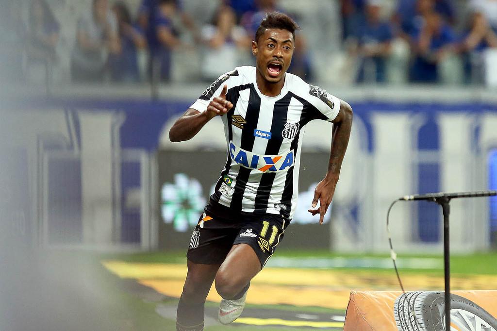 Negociado com o Flamengo, Bruno Henrique se despede do Santos