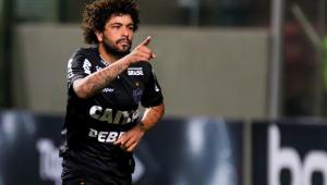 Presidente do Atlético-MG veta saída de Luan, que interessava ao Corinthians