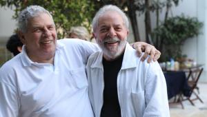 Augusto Nunes: Morto faz papel de figurante no próprio velório