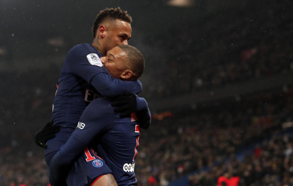 Trio de ataque do PSG brilha e faz 9 a 0 em lanterna do Campeonato Francês 88bcbe810d676
