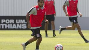 Sornoza se machuca e Corinthians só deve estrear 3 reforços no domingo