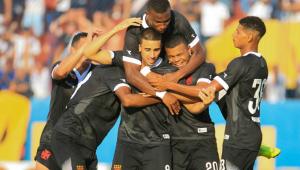 Galhardo faz gol em 1 minuto e dá vitória para Vasco em estreia