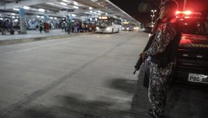 Ceará já soma 383 presos por onda de atentados; governador se reúne com ministro da Defesa
