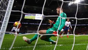 Com atuação espetacular de De Gea, Manchester United vence o Tottenham pelo Inglês