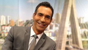 Cesar Tralli come marmita na Globo e é elogiado por seguidores