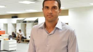 Novo gerente de futebol é apresentado: 'vamos colocar o Santos no lugar que merece'