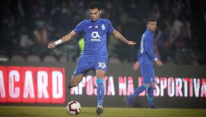 Em sua reestreia pelo Porto, zagueiro Pepe dá entrada violenta em adversário; assista