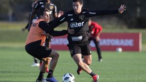Ainda abaixo fisicamente, Hernanes pode ficar de fora até do clássico contra o Santos