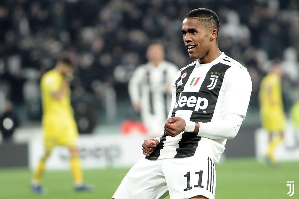 Juventus vence com gol de Douglas Costa e amplia vantagem na liderança do Italiano