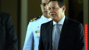 Brasil não vai participar de intervenção na Venezuela, afirma Mourão
