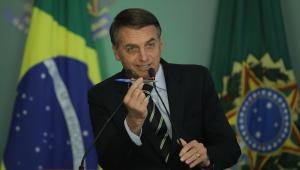 Bolsonaro vai despachar em quarto de hospital após realizar cirurgia