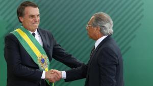 Guedes rebate 'redução da democracia': 'Bolsonaro toma facada e ele é quem reduz?'