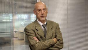 'Militar deve se aposentar antes, mas sem receber 100% do vencimento', afirma Paulo Tafner