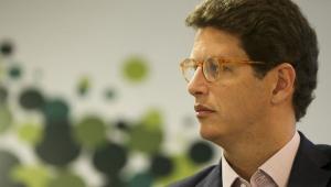 Salles sugere 'sensacionalismo' em notícias de nuvem preta em SP
