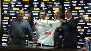 Corinthians apresenta detalhes de parceria com BMG e Andrés diz que valor é 'incalculável'
