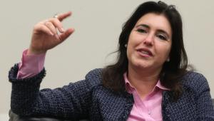 Simone Tebet confirma pré-candidatura à presidência do Senado após declaração de Renan