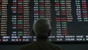 Com mercado otimista, Bovespa quebra recorde e fecha em alta