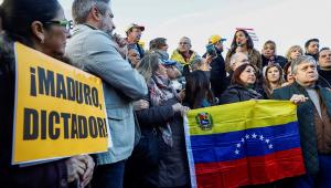 Sistema chefiado por Maduro constitui mecanismo de crime organizado, afirma Ernesto Araújo