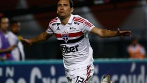 São Paulo se recupera de susto, fica com um a mais e goleia o Mirassol