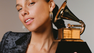 Em vídeo, Alicia Keys revela que apresentará o Grammy 2019; assista